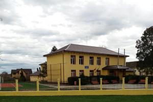 FOTO. O școală din Timiș, renovată complet după 17 ani