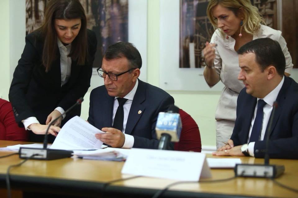 """Vicepremierul Stănescu, despre Sala Polivalentă: """"Autoritățile locale ar trebui să ia o decizie, noi suntem dispuși să investim în acest obiectiv"""""""