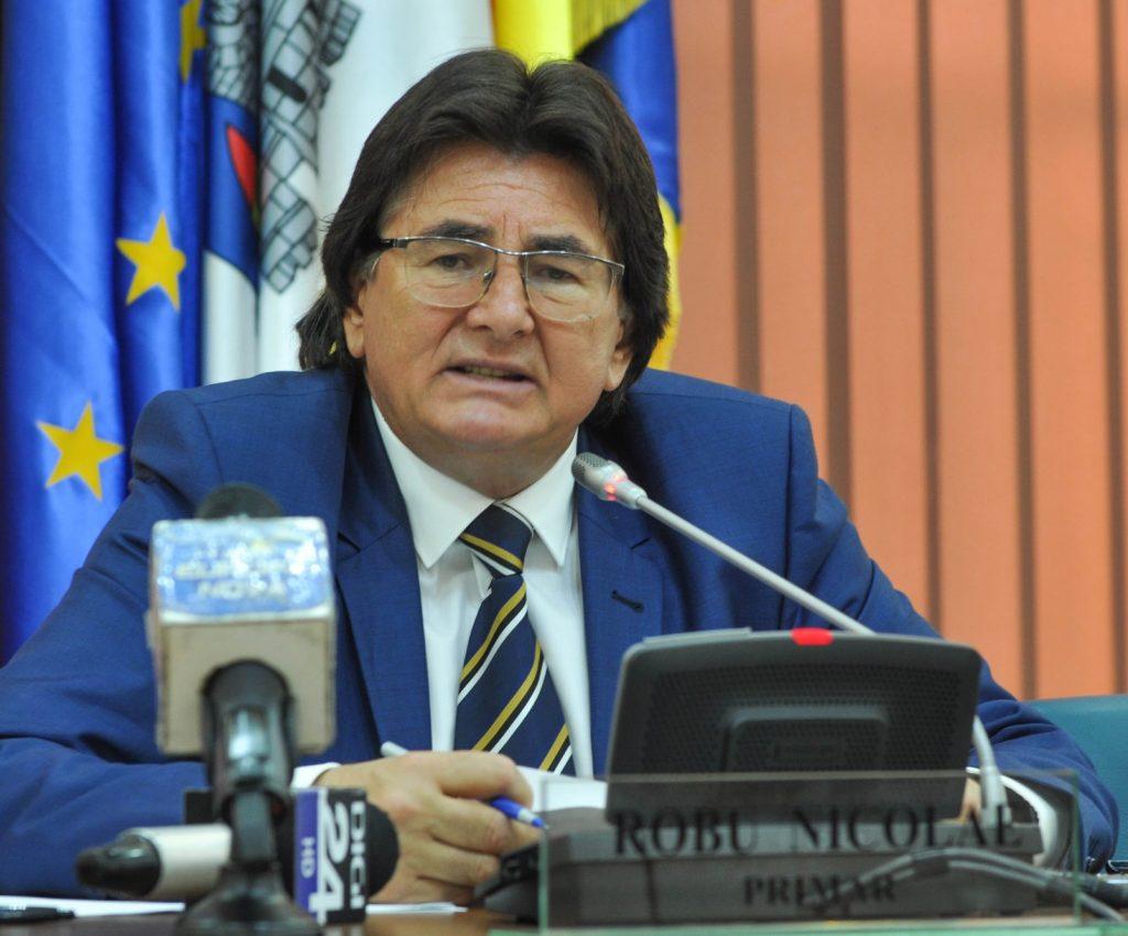 """Nicolae Robu: """"Se studiază posibilitatea lărgirii la trei benzi a străzilor Cluj – Arieș"""""""