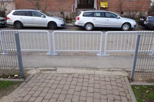 Foto: Garduri de protecție la intrarea în locul de joacă din Scuarul Karlsruhe
