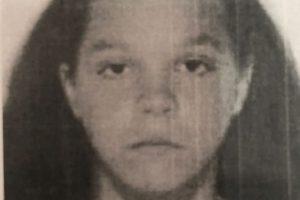Fată de 15 ani, dispărută de acasă, din zona Lipovei. Sună la 112 dacă o vezi!