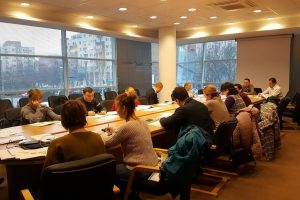 Noi cursuri pentru tinerii antreprenori, în cadrul programului Start Smart