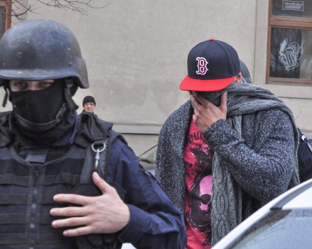 Descinderi în mai multe județe ale țării și în Germania la o grupare specializată în trafic de migranți