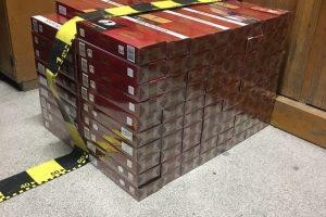 Țigări în valoare de 800.000 de euro, confiscate în Arad