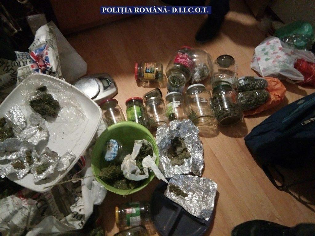 Captură de 13 kilograme de droguri