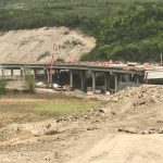 Foto. Prefectul Eva Andreas, în control pe şantierele autostrăzii Lugoj-Deva alături de ministrul Tansporturilor