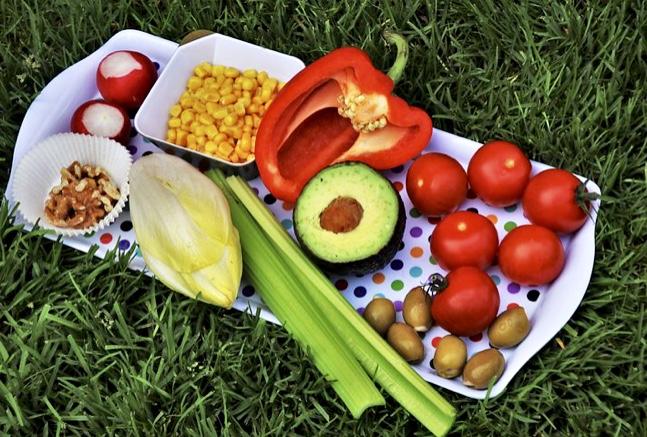 Medicii nutriţionişti dezvăluie orele la care trebuie să mănânci pentru a slăbi