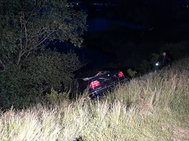 Două tinere din Timişoara au murit după ce au plonjat cu maşina în lacul Ghioroc din Arad