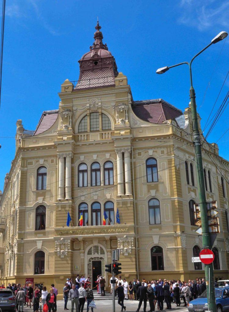 Lucrările de reabilitare a Palatului Apelor din Timișoara, finalizate după şapte ani