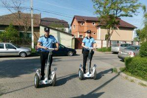"""""""Vânătoarea"""" de pe segway merge strună, la Timișoara. Polițiștii locali dau amenzi la foc automat"""