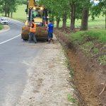 Se lucrează la drumul spre singurul sat rotund din România