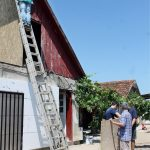 Casa Morariu din Soșdea, izolată de voluntarii asociației Acasă în Banat