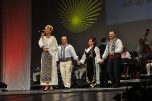 Liliana Laichici, Dumitru Teleagă și Ansamblul Banatul, la Festivalul Inimilor, în Parcul Rozelor