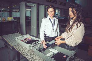 E sezonul concediilor. Ce obiecte puteți lua în avion?