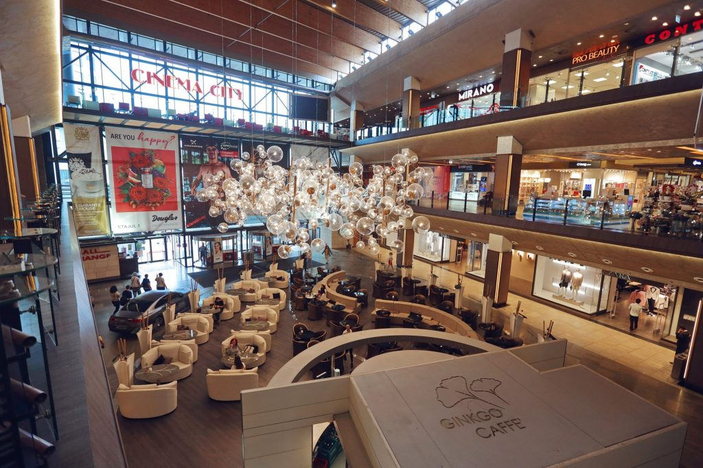 Târg de produse naturale și promoții estivale, în weekend, la mall