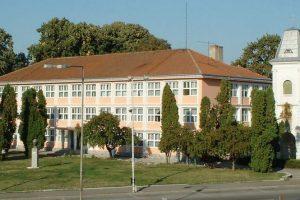 """Declarați """"admiși"""" la liceu cu media 3,33! Se întâmplă la Lugoj"""