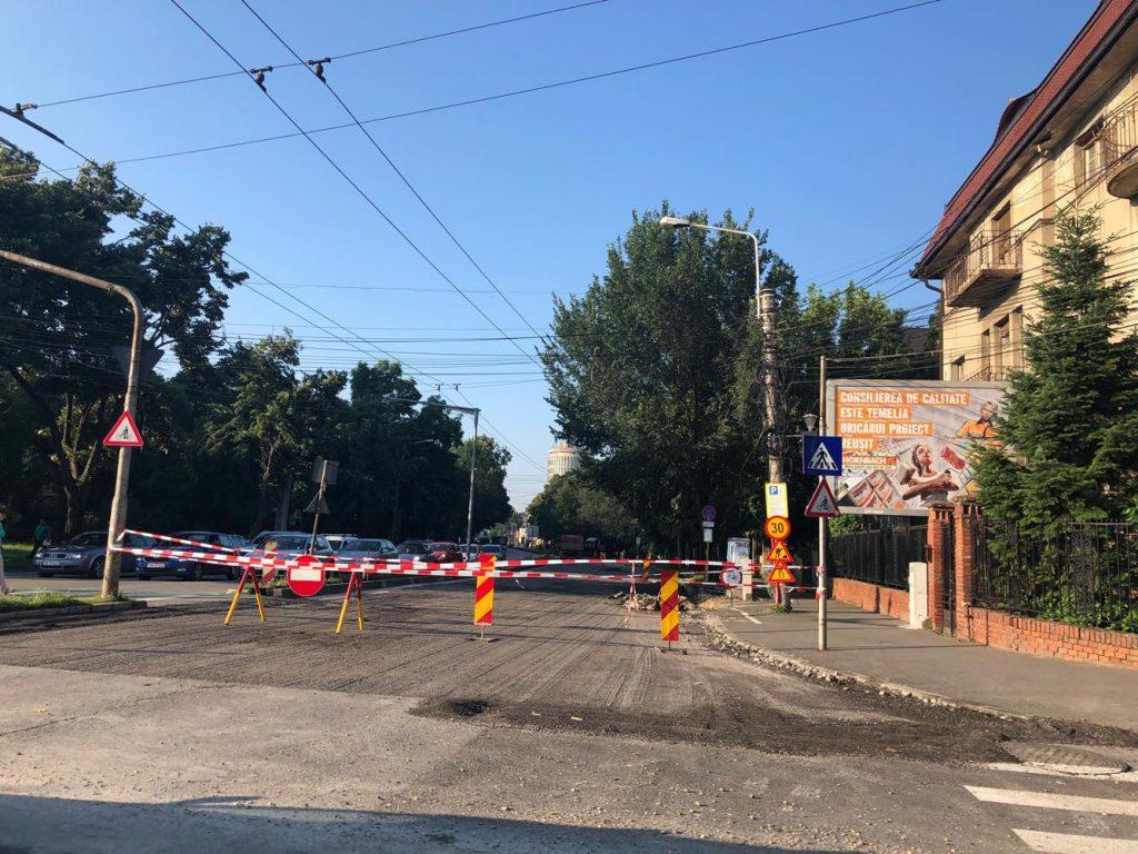 Lucrări pe mai multe străzi și trotuare în Timișoara