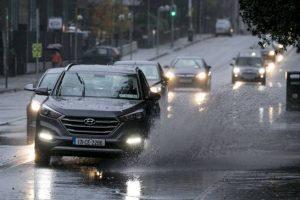 Atenție, vremea se înrăutățește! Poliţia le recomandă şoferilor să fie prudenți