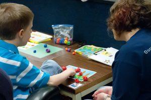 Noi soluții pentru sprijinirea copiilor cu autism, elaborate de o rețea de ONG-uri