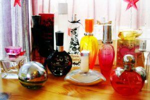 """Furt """"parfumat"""" la Timişoara. O femeie a vrut să plece acasă cu parfumuri de 450 de euro"""