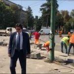 Foto. Primarul Robu, în vizită pe şantierul din Piaţa Mărăşti