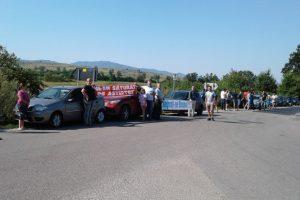 Un nou protest în Valea Almăjului. Şoferii cer asfaltarea drumului