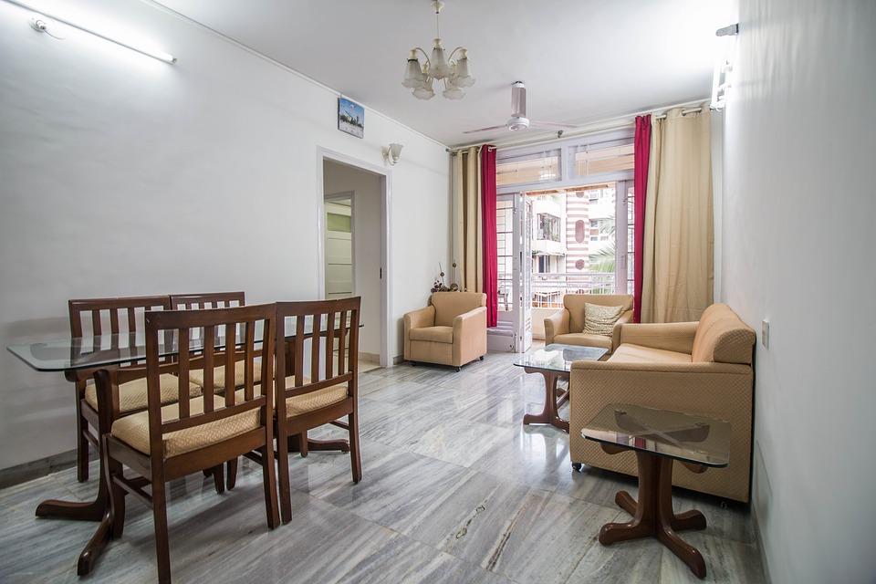 Un român din 10 a făcut, în locuinţa sa, modificări care pot afecta structura de rezistenţă a clădirii