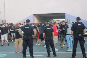 Jandarmii timişeni asigură măsurile de ordine la meciul de fotbal UTA Arad – Universitatea Cluj