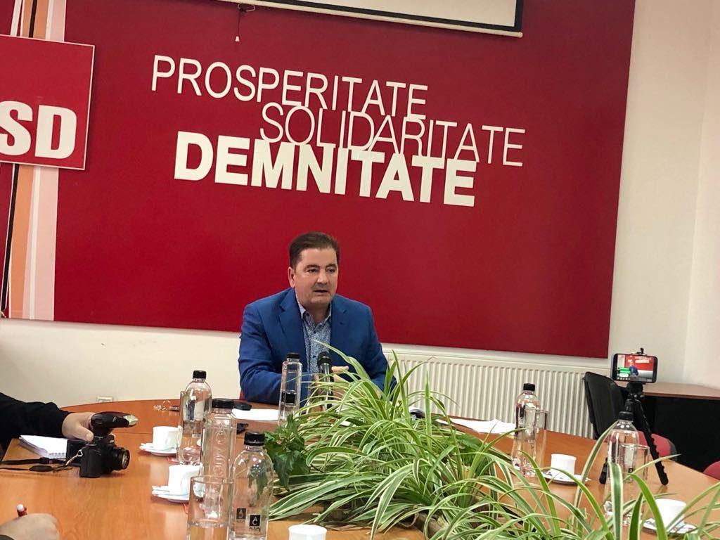 """Consilierul local Dan Idolu: """"Primarul trebuie să explice sumele pentru bugetele de salarii și apoi votăm proiectul de rectificare"""""""