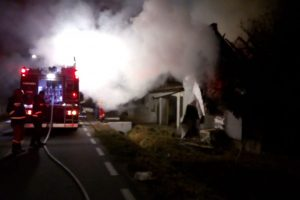 A murit carbonizată după ce casa a luat foc