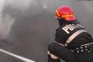 Trei maşini au ars în Timişoara după ce unui şofer i s-a făcut rău