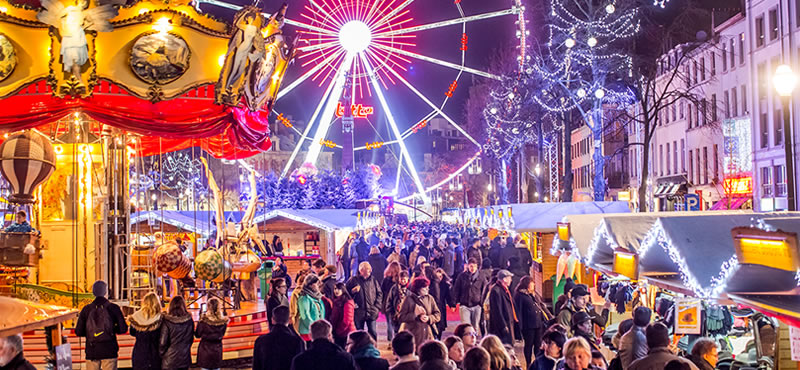 Foto. La Târgul de Crăciun de la Bruxelles vin expozanţi din toată Europa