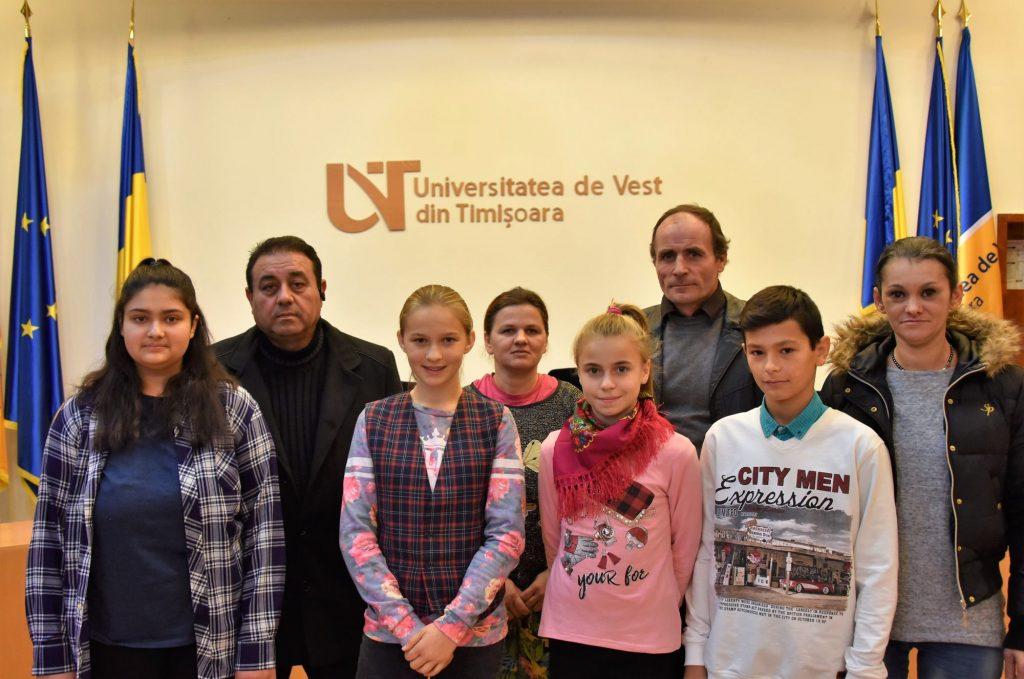 Patru elevi vor beneficia de burse școlare din indemnizația unui deputat de Timiș