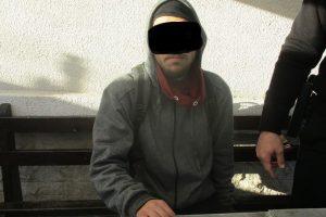 S-a dat singur de gol. Tânăr de 21 de ani depistat de polițiștii locali cu substanțe interzise în zona Lipovei
