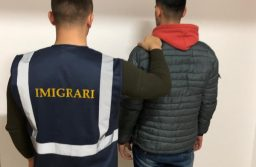 Albanez care lucra ilegal, depistat de agenţii de la Imigrări