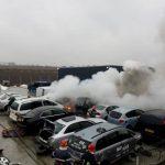 Incendiu la un depozit de dezmembrări auto