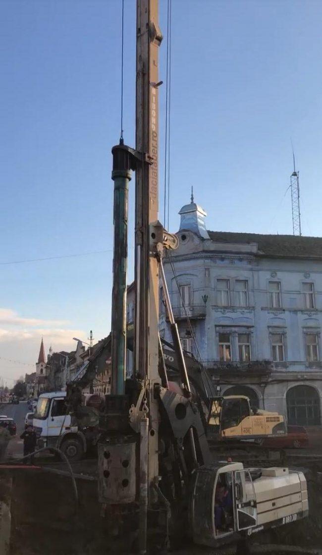 Robu: a început construcția primului nou pod extensie în aval a vechiului Pod Dragalina