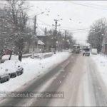 Se circulă în condiții de iarnă în vestul ţării