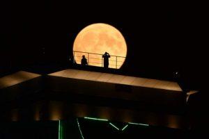 Singura eclipsă totală de lună din 2019 va fi vizibilă luni dimineaţă