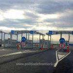 14 migranţi ascunși într-un automarfar, depistaţi de poliţiştii de frontieră la Nădlac II