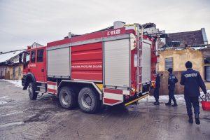 ISU şi ADIVEST adună fonduri pentru a cumpăra o maşină necesară la stingerea incendiilor