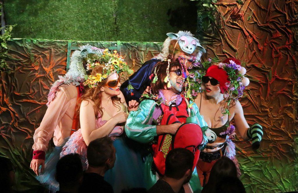 2019 începe la Teatrul Național cu o infuzie de imaginație și speranță.  Ce piese putem vedea