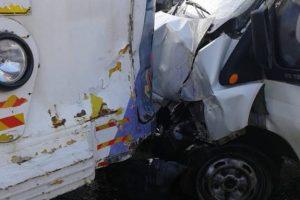 Accident! O autoutilitară a lovit un tramvai