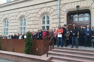Magistrații continuă protestul la Timișoara