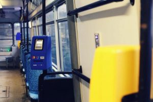 Călătorii vor putea achita biletul cu cardul chiar în mijlocul de transport