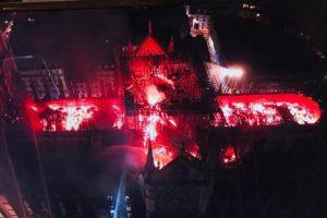 Incendiu la Notre-Dame: Încă nu se ştie cum va rezista structura edificiului
