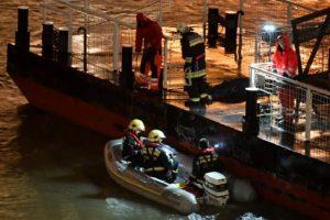 Un vapor plin cu turişti s-a scufundat în Dunăre, la Budapesta. Şapte morţi, 19 dispăruţi