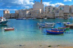 Vizitează Bari, aflat la o oră şi jumătate de zbor de pe Aeroportul Internaţional Timişoara