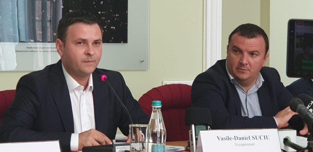 """Vicepremierul Vasile Suciu,laTimișoara: """"Lansez oinvitațiepublică, o adesez domnului primar Robușidomnului Dobra.Îiașteptla minister"""""""
