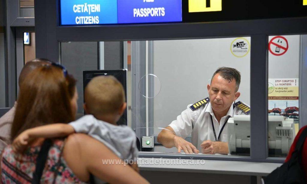 Ieşiţi din ţară cu copiii în perioada următoare? Atenţie la documentele de călătorie!